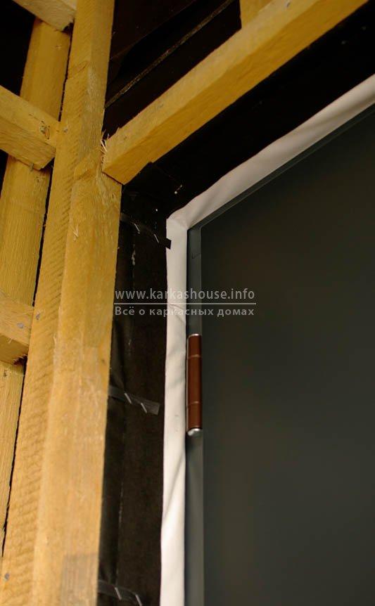 Боковое уплотнение входной двери