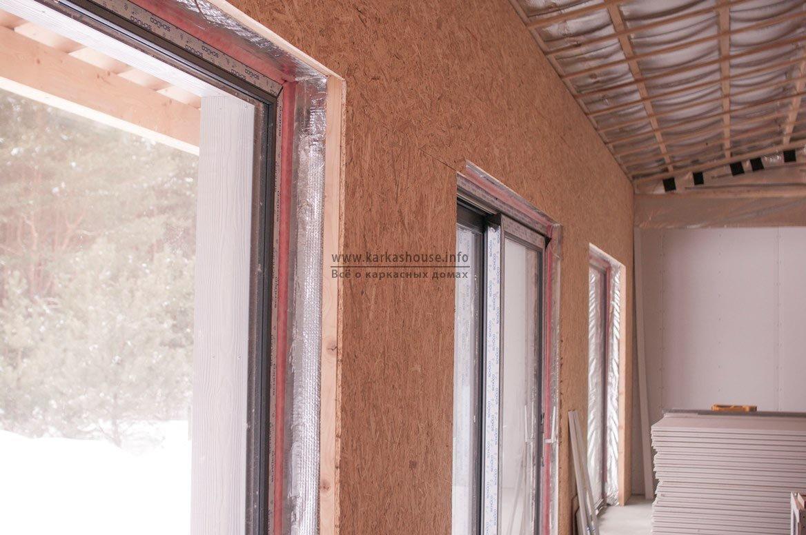 примыкание окна и стены каркасного дома