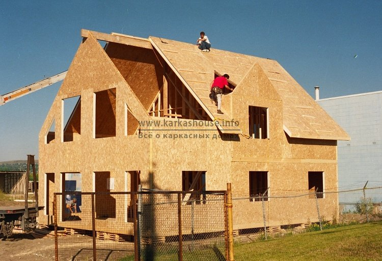 Строительство каркасного дома недорого обшивка